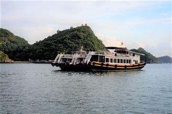 Best love - Full day boat trip with kayaking on Lan Ha bay, Ha Long bay